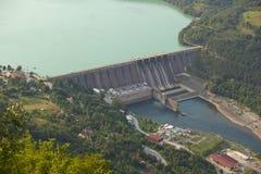 Stazione di forza idroelettrica, diga di Perucac fotografia stock libera da diritti