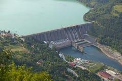 Stazione di forza idroelettrica, diga di Perucac fotografia stock