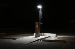 Stazione di paga del parcheggio a nig Fotografie Stock Libere da Diritti