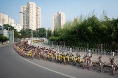 Stazione di parcheggio della bicicletta fotografia stock libera da diritti