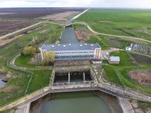 Stazione di pompaggio dell'acqua dell'impianto di irrigazione delle risaie Vista Immagine Stock