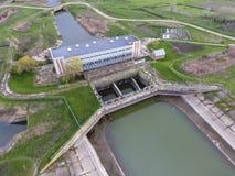 Stazione di pompaggio dell'acqua dell'impianto di irrigazione delle risaie Vista Immagini Stock