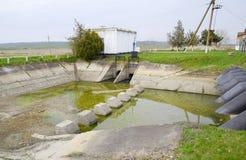 Stazione di pompaggio dell'acqua dell'impianto di irrigazione delle risaie Fotografie Stock