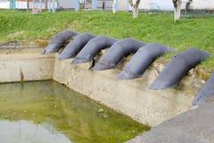 Stazione di pompaggio dell'acqua dell'impianto di irrigazione delle risaie Immagine Stock
