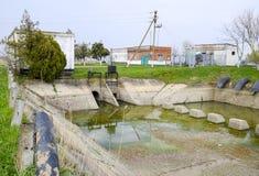 Stazione di pompaggio dell'acqua dell'impianto di irrigazione delle risaie Fotografie Stock Libere da Diritti