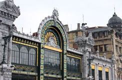 Stazione di Santander nello stile di Nouveau di arte a Bilbao fotografia stock libera da diritti