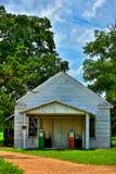 Stazione di servizio abbandonata con le pompe di gas Utley il Texas Immagine Stock