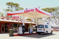 Stazione di servizio di libertà in Hyden, Australia occidentale Immagini Stock