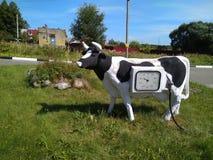 Stazione di servizio sotto forma di mucca fotografia stock libera da diritti