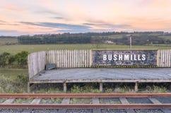 Stazione di treni di Bushmills in Irlanda del Nord fotografie stock libere da diritti