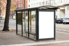Stazione di viaggio della fermata dell'autobus Immagini Stock