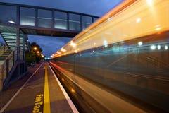 Stazione ferroviaria alla notte Immagine Stock Libera da Diritti