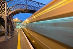 Stazione ferroviaria alla notte Fotografia Stock