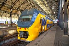 Stazione ferroviaria Amsterdam Centraal AMSTERDAM, IL NETHELANDS immagine stock libera da diritti