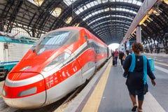 Stazione ferroviaria centrale di Milano Fotografie Stock Libere da Diritti