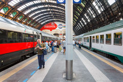 Stazione ferroviaria centrale di Milano Fotografie Stock