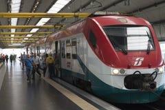 Stazione ferroviaria dell'aeroporto di Roma Fiumicino Immagini Stock