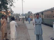Stazione ferroviaria di Dera Nawab Sahib pakistan fotografie stock