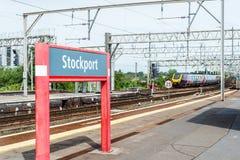 Stazione ferroviaria di Stockport vicino a Manchester, Gran Bretagna fotografie stock