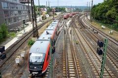 Stazione ferroviaria e treno immagine stock