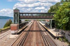 Stazione ferroviaria elevata all'aperto Immagine Stock Libera da Diritti