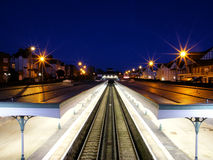 Stazione ferroviaria entro la notte Fotografia Stock Libera da Diritti