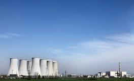 Stazione nucleare di corrente elettrica Immagine Stock Libera da Diritti