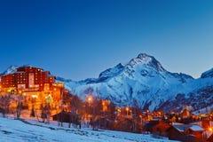 Stazione sciistica in alpi Immagine Stock
