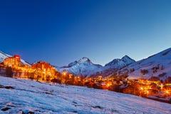 Stazione sciistica in alpi Fotografia Stock Libera da Diritti