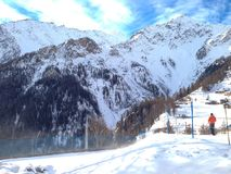 Stazione sciistica in alpi europee, Courmayeur Fotografie Stock Libere da Diritti