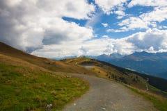 Stazione sciistica in alpi tirolesi in autunno, Austria Fotografia Stock Libera da Diritti