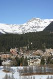 Stazione sciistica alpina Fotografie Stock Libere da Diritti