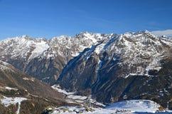 Stazione sciistica alpina a Solden nelle alpi di Otztal, Tirolo, Austria Immagini Stock Libere da Diritti