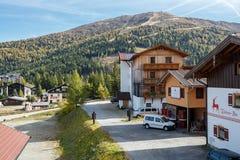 Stazione sciistica Katschberg nella caduta Alpi, Austria Immagine Stock