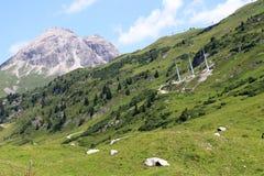 Stazione sciistica molto popolare austriaca delle alpi nell'inverno Fotografie Stock Libere da Diritti
