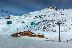 Stazione sciistica sbalorditiva nelle alpi, Les Menuires, Francia, Europa Fotografia Stock Libera da Diritti