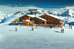 Stazione sciistica stupefacente nelle alpi, Les Menuires, Francia, Europa Fotografie Stock Libere da Diritti