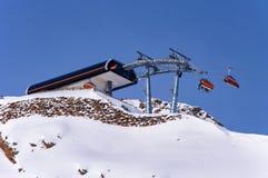 Stazione superiore della seggiovia in alpi austriache Fotografia Stock Libera da Diritti