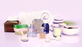 Stazione termale e regolazione di benessere con il sapone, la candela e l'asciugamano naturali sopra Fotografia Stock Libera da Diritti
