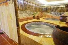 Stazione termale e stanza della Jacuzzi di benessere Fotografia Stock