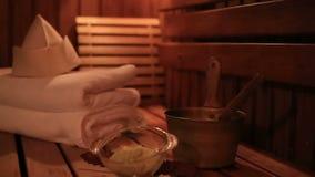 Stazione termale ed attributi di sauna stock footage