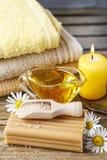 Stazione termale messa con i prodotti del miele immagine stock libera da diritti