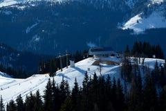 Stazione Wagrain e Alpendorf vicini della cima dell'ascensore di sci in Austria Fotografia Stock Libera da Diritti