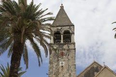 StDominik古老女修道院钟楼在特罗吉尔,克罗地亚 免版税库存照片