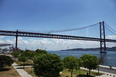 25ste april brug in Lissabon Royalty-vrije Stock Foto's