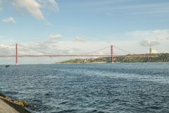 25ste April-brug over de Tagus-rivier Royalty-vrije Stock Foto