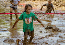 21ste Jaarlijkse Marine Mud Run - Pollywog stoot Race aan Stock Afbeelding
