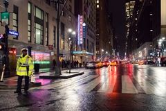 34ste 's nachts straat New York Stock Afbeelding