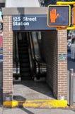 125ste Straatpost - de Stad van New York Stock Fotografie