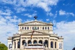 25ste verjaardag van Duitse Eenheid in Frankfurt, mensen bij balkon Stock Afbeelding